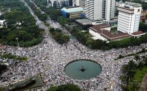 demo-4-november-bukan-aksi-damai-tapi-bxnydglqpl